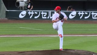 Kris Johnson, a pitcher for Hiroshima Carp won Sawamura Award